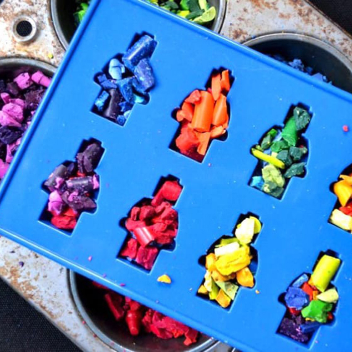 [Silicone Mold] Robot Figurine, 8 Cavity Silicone Mold Tray, Perfect for Ice, Candy, Chocolate, Gummy Bears, and More! [Blue]