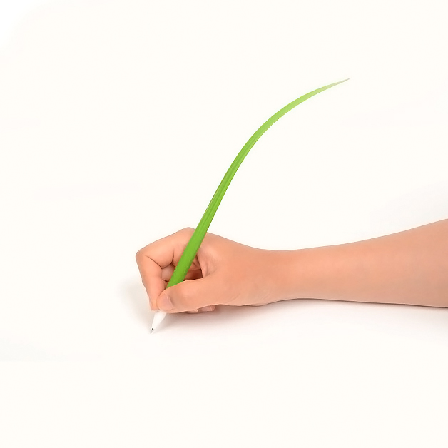 Geektastic Forest Green Grass Silicone Leaf Ballpoint Pen w/ Black Ink - Perfect for School!